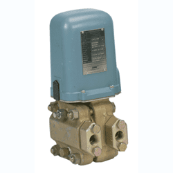 Picture of Foxboro pneumatic differential pressure transmitters series 13A, 13HA and 15A