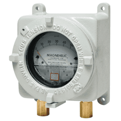 Picture of Dwyer explosion proof differential pressure gauge series AT22000