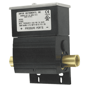 Picture of Dwyer water differential pressure switch series DX